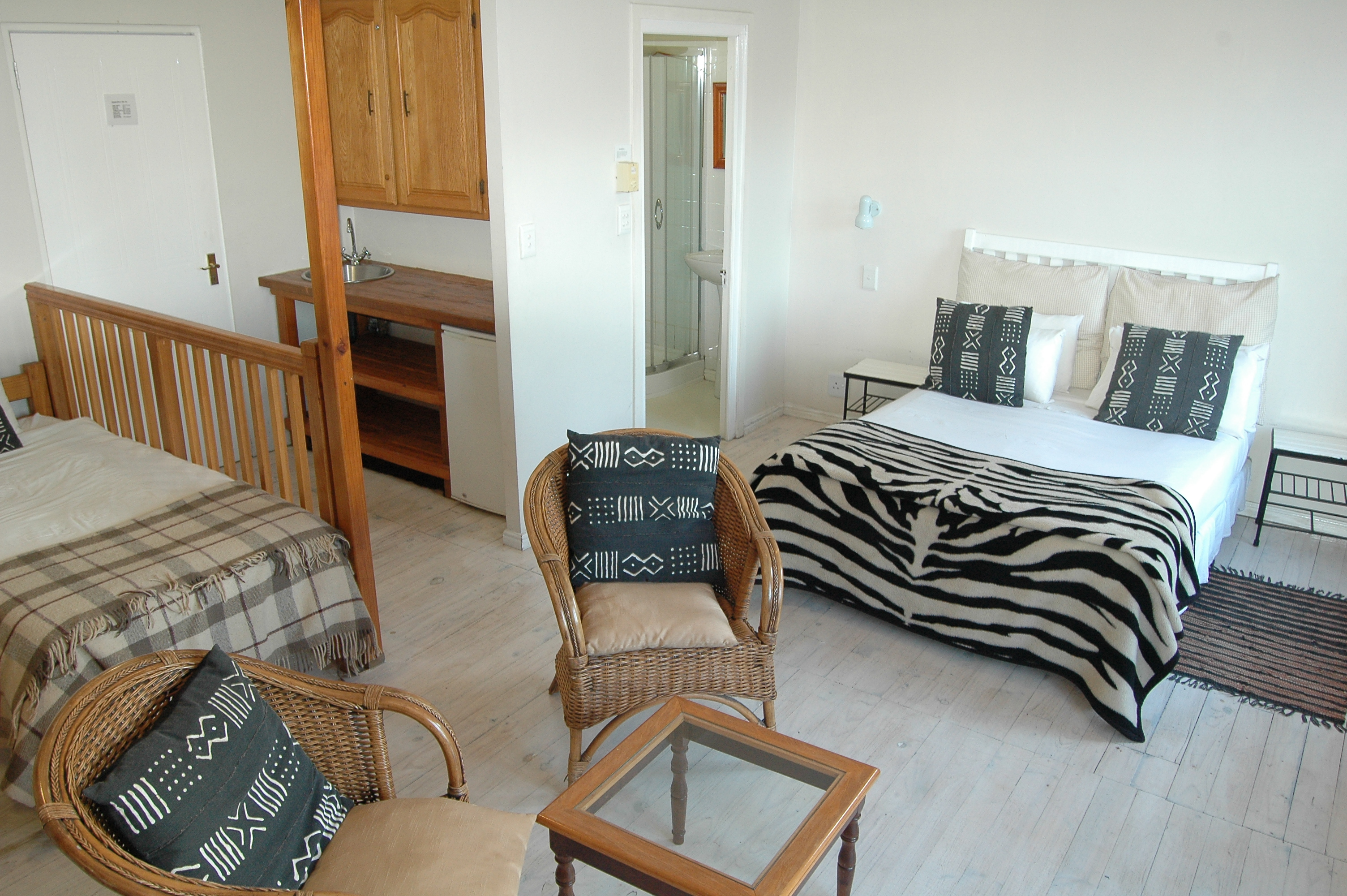 Baleens Hotel, Hermanus, Family Room with Double bed and 2 single beds