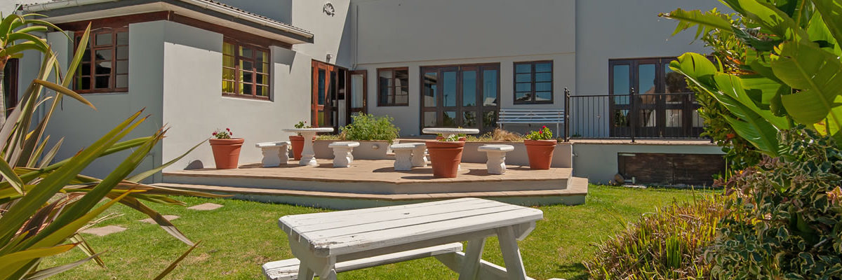 Places to Stay in Hermanus, Hermanus Accommodation, Baleens Hotel Hermanus, Baleens Hotel, Hermanus, baleens restaurant and bar, accommodation, accommodation hermanus, hotels hermanus, cosy and comfortable accommodation, child friendly hotels