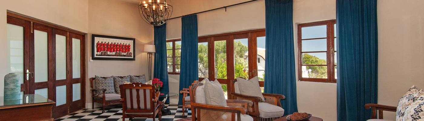 Baleens Hotel Hermanus. Baleens Hotel, Hermanus, baleens restaurant and bar, accommodation, accommodation hermanus,hotels hermanus, cosy and comfortable accommodation, child friendly hotels
